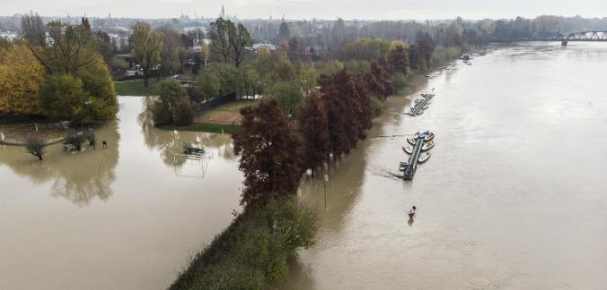 piena-fiume-po-drone-ev-770x370
